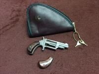 NORTH AMERICAN ARMS - .22 MAGNUM - MINI REVOLVER - NEAR MINT WITH TWO SETS OF ROSEWOOD GRIPS & POUCH
