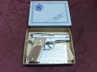 SMITH & WESSON 39-2 9MM - NICKEL- NEAR MINT IN BOX