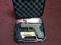 GLOCK 17 9MM - FULL DARK EARTH - FXD SIGHTS - WITH TWO 17-ROUND MAGS - AS NEW IN BOX