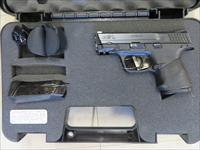 Smith and Wesson M&P 40S&W Auto Pistol