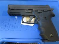 SIG SAUER P229 *TONS OF EXTRAS*