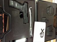 Springfield XD-40 Sub Compact W/ Box, Book, And All