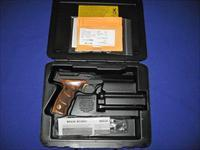 Browning Buck Mark Plus UDX Walnut 22LR Pistol