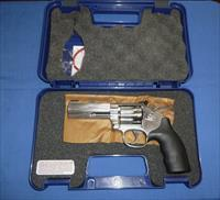 SALE PRICED!   SMITH & WESSON MODEL 617 22LR REVOLVER NEW!