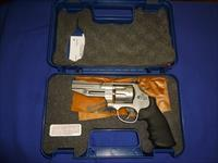 SALE PRICED! Smith and Wesson Model 627 Pro Series 357 Magnum Revolver 8 Round Capacity NEW!