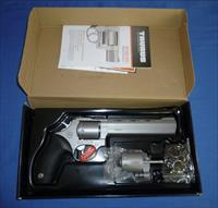 TAURUS 992 TRACKER COMBO 22LR/22 MAGNUM DOUBLE ACTION REVOLVER