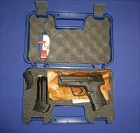 SMITH AND WESSON M&P9C 9MM COMPACT PISTOLW/XGRIP TALO DISTR.