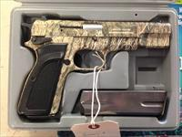 Browning Hi-Power Camo .40 Smith & Wesson