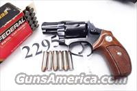 Rossi .357 Magnum model 461 Blue Steel 2 inch 6 Shot DAO Bobbed Hammer Excellent in Box Factory Demo Walnut Grips Discontinued S&W K Colt D Frame type R46112U