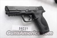 S&W .40 M&P40 Night Sights 16 Shot 1 Magazine VG-Exc in Box M&P 40 Smith & Wesson caliber Tiverton RI PD 2007 mfg