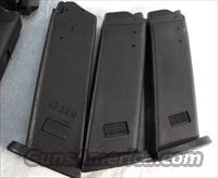 3 Magazines for H&K .40 USP 10 Round Factory New Unissued CA MA OK 40 Smith & Wesson or 357 Sig Caliber Heckler & Koch USP40 Clips Mags 214854 $26 Per on 3 or more