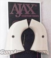 Ruger Blackhawk Revolver Grips Ajax Imitation Ivory GR31IP Single Six Old Model Vaquero New Old Stock