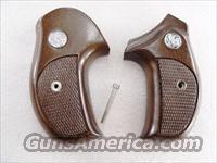 Grips S&W J Round Combat Sile Walnut Banana 1980s Production As New Smith & Wesson J Frame Round Butt Models 34 36 37 38 40 42 637 638 640 642 317 651