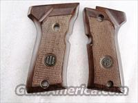 Beretta Factory Grips model 92FS SB Compact Only Walnut 92SBC GRJG92FSCW