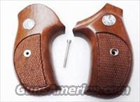 Rossi model R352 R461 R462 Walnut Combat Grips Sile Banana 1980s Production Excellent Custom Fitted