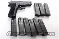 Lots of 3 or more Sig Sauer .40 S&W P226 Factory 12 Shot Magazines VG LE Marked ca. 2002 $26 per on 3 or more 2264312
