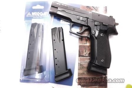 Lots of 3 Sig P226 20 Shot 9mm Mec Gar Magazines NIB Sig Sauer P226 P228  P229 $39 per on 3 or more