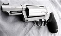 Taurus .45 / .410 Judge 3 inch Cylinder Chambers 3 in Barrel Stainless 45 Colt 410 gauge 2 1/2 and 3 inch Shells Interchangeably 2441039MAG
