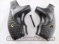Grips Smith & Wesson Gray Laminate Boot Grip for J Frame Round Butt New Talo Limited Edition 642 issue