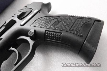 CZ75 P01 Clone SAR Arms EAA 9mm model SAR B6P L9 Compact 3 Dot Sights 14  shot 1 Magazine Commander Hammer 3 1/2 inch CZ Mag Compatible