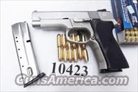 Smith & Wesson .40 S&W 12 shot model 4043 Stainless Alloy 2 Magazines 1996 PA 108528