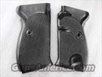 Walther P38 P1 Factory Grips VG 1960s German Police Black Polymer GRP38U