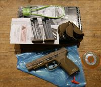 Smith & Wesson M&P9 M2.0 FDE 5