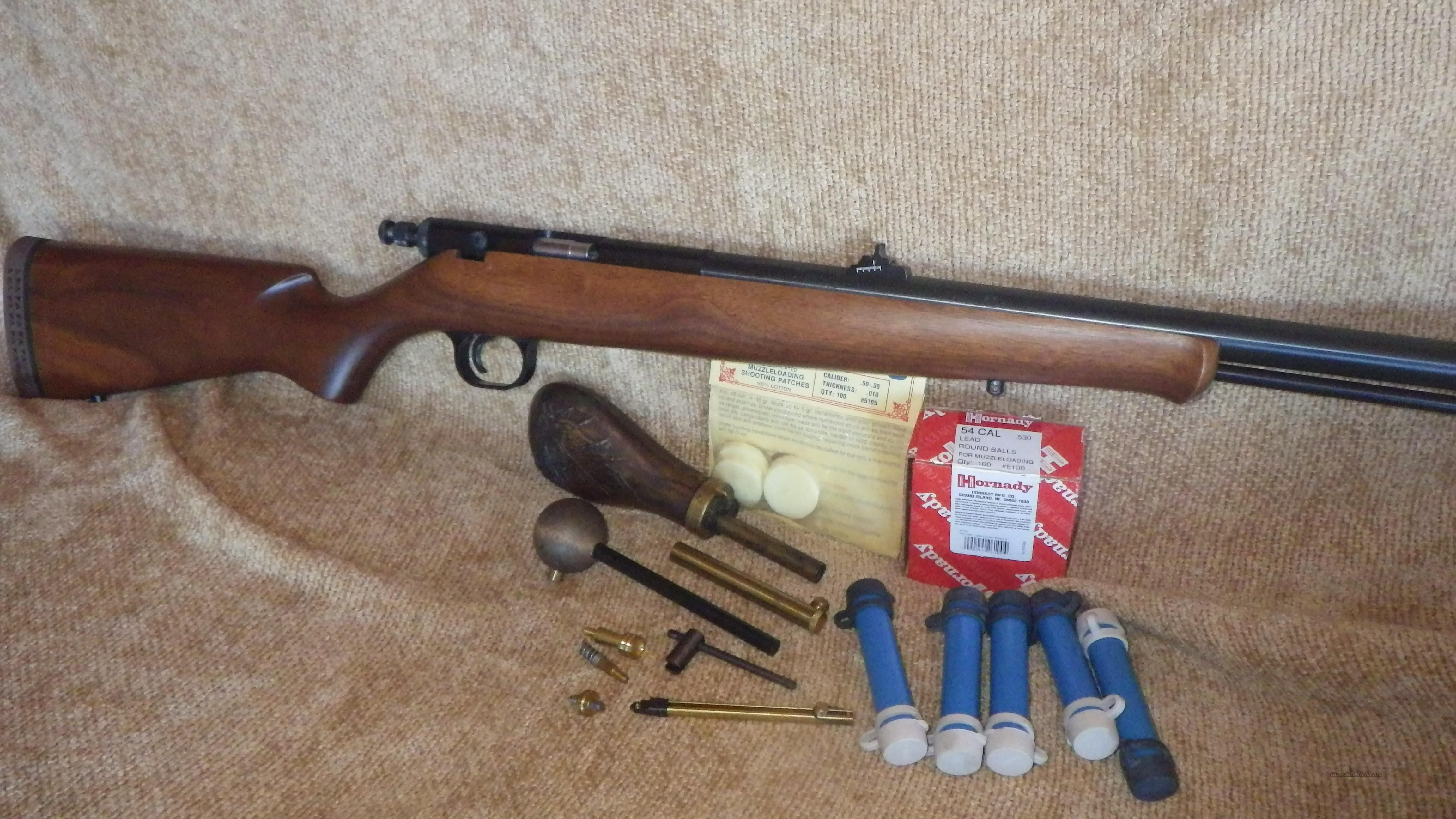 Knight MK-85 54 Cal In-Line Muzzleloader With Accessories