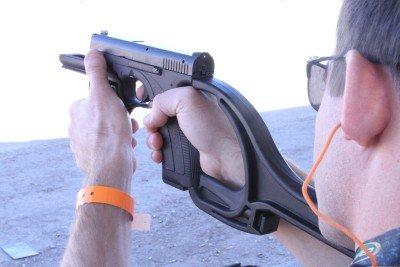 caracal-polymer-pistol-abu-dhabi-uae-front-grips-ben-shooting