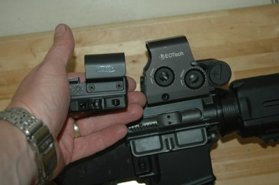 The Meopta M-RAD is smaller and less bulky than the EoTech XPS, with less weight from less mass.