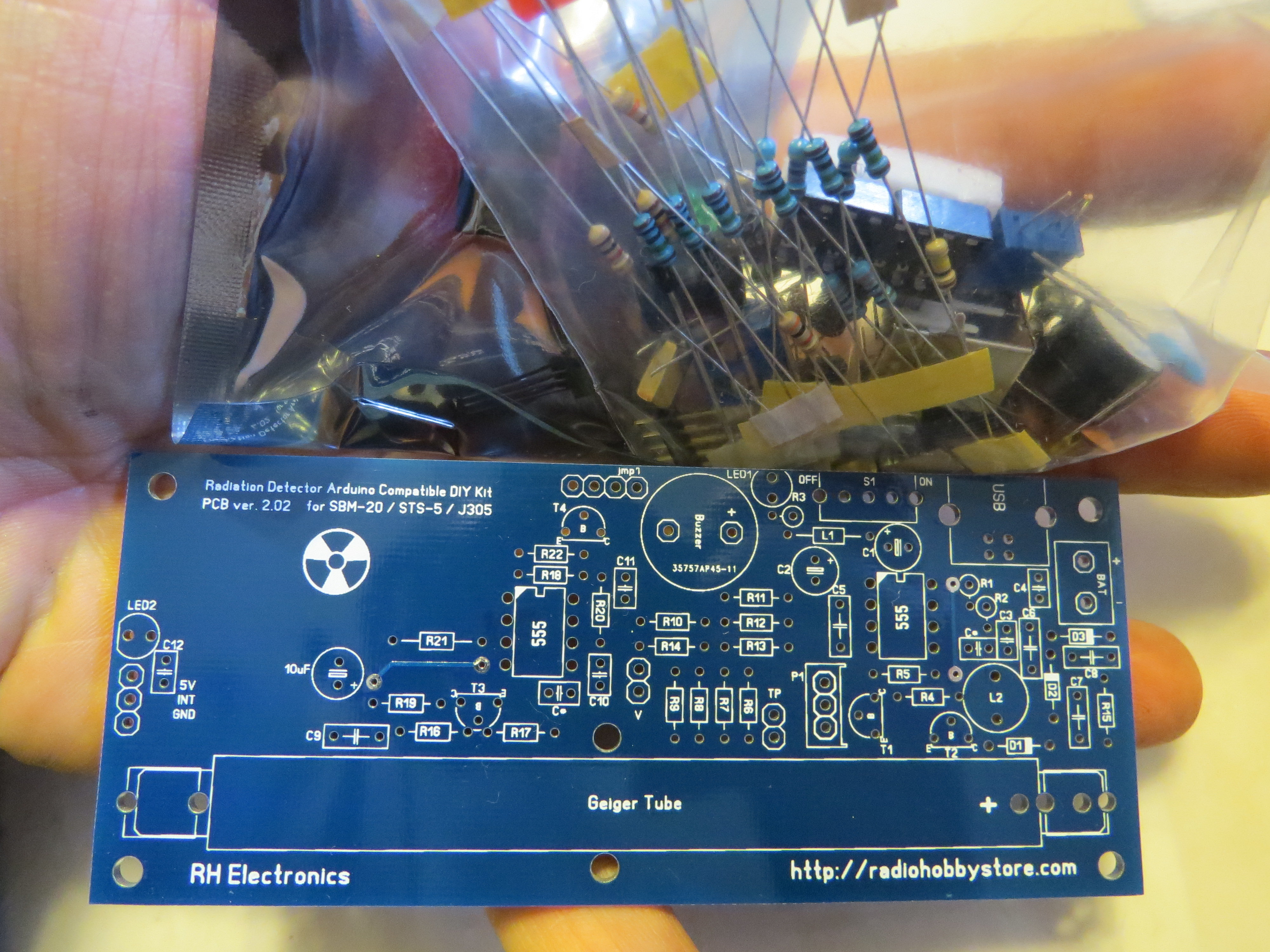 Prepping 101 Diy Geiger Counter The Basics Of Measuring Radiation Fig 1a Basic Circuit Kit Starts As A Handful Components And Board But No Fear
