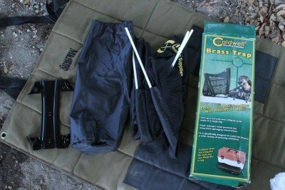 This is what is in the package. The case, the base plate, and the net itself with the captured plastic rods.