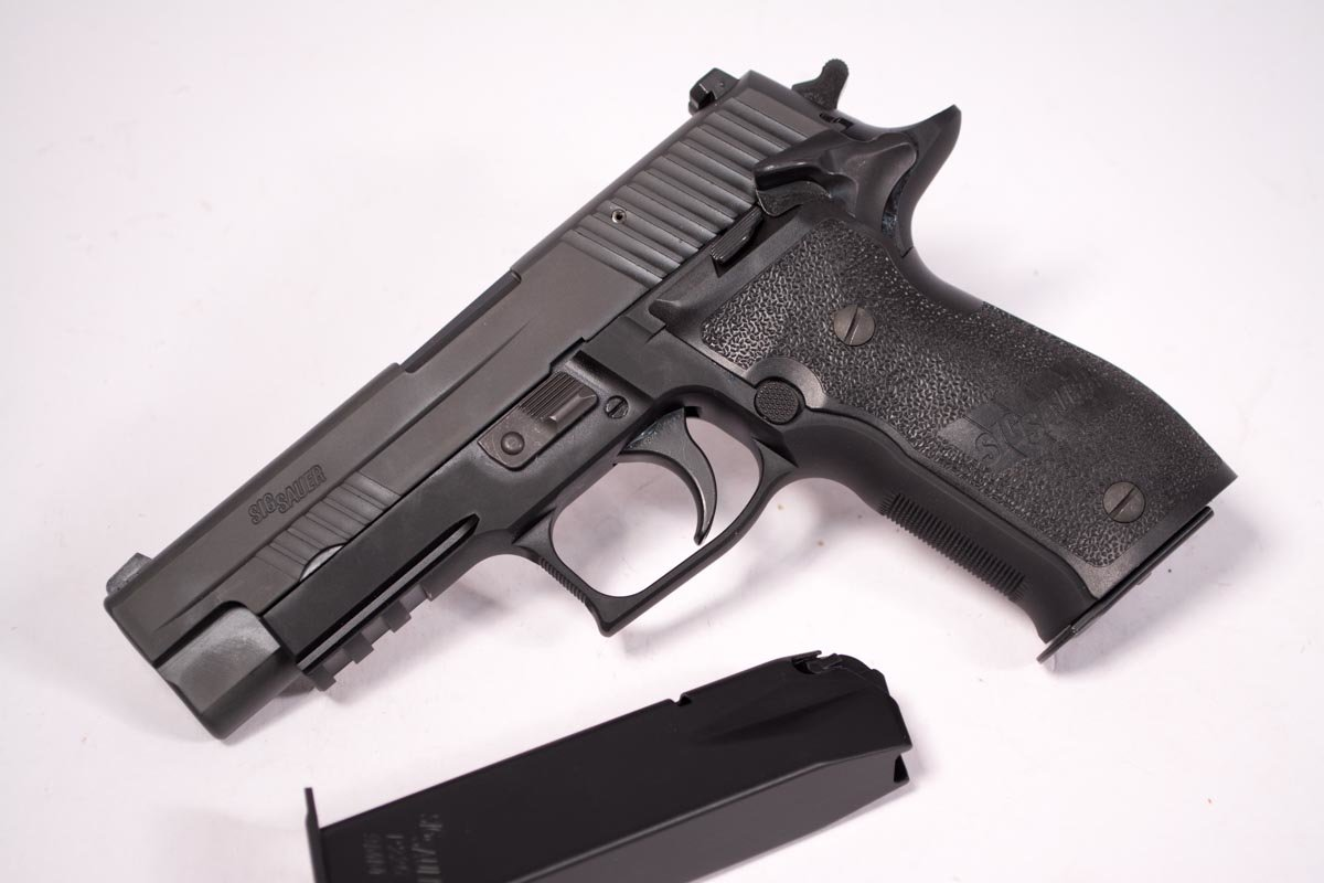 That's right, there's no decocking lever on this Sig P226!