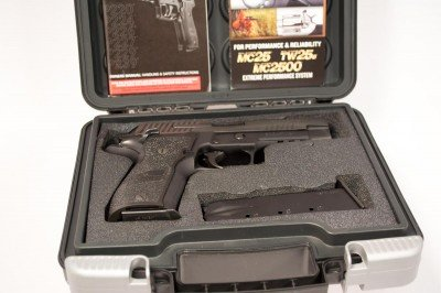 The Sig P226 Elite SAO comes in a hard plastic case that's ready for padlocks.