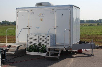 Even the porta-john. This thing has its own planter. Beretta still has a ways to go if they want to fit in in the south. We don't air-condition portable toilets, not even for politicians.