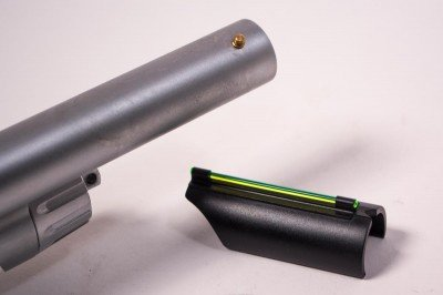 A single brass bead is mounted up front, but an extra fiber-optic tube snaps in place if you prefer that.