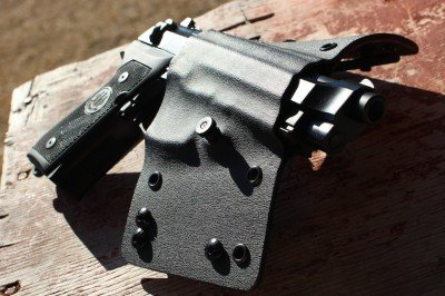 The 2A holster has a serious bend, which explains why I was asked about the size of my waist.