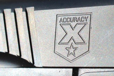 The logo and serrations on the front of the Recon.