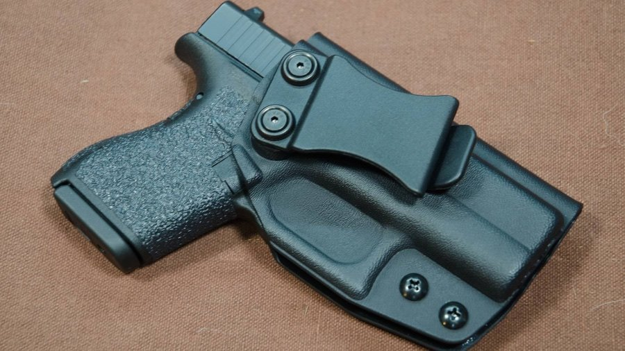 Why add bulk to your subcompact? The Multi Holsters Elite keeps this Glock 42 tiny and slim.