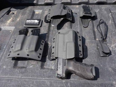 We had the privalege of seeing five distanct holsters from Black Rhino, all for the VP9, which is the best way to test the differences between them.