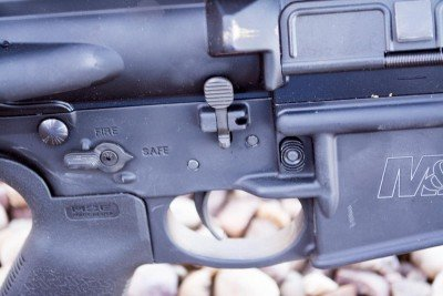 Note the fully ambidextrous controls on the M&P 10 LE.