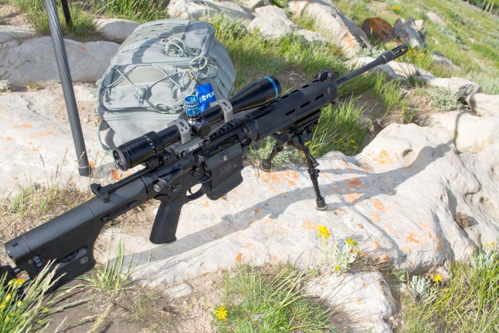 Will this stock Smith & Wesson M&P 10 .308 shoot consistently at 1,000 yards?