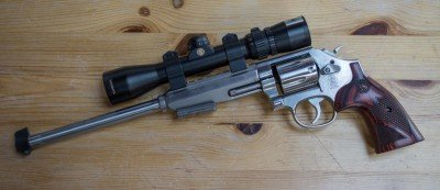 The Smith & Wesson 647 Varminter with a Bushnell Elite handgun scope. Note the rear site has been removed to allow space for the optic.