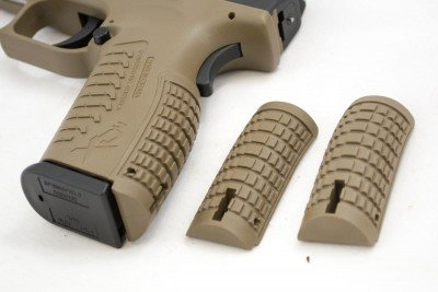 Two additional back strap inserts adjust grip size to your hand.