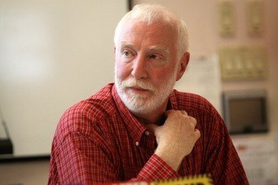 Alan Korwin, visit his website GunLaws.com.
