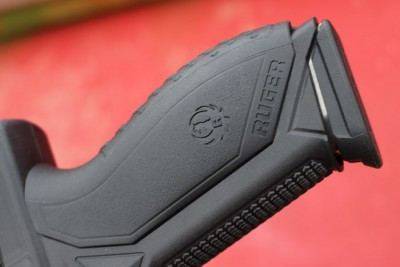 Modular back-straps allow for a custom hand fit.