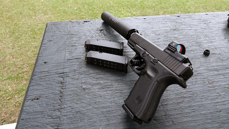 Glock Releases Optics-Ready Glock 17, Glock 19 MOS - SHOT Show 2016
