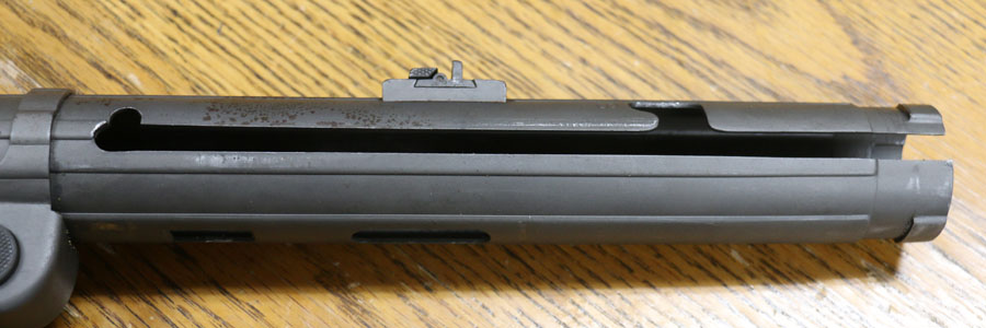 Upper receiver notches secure bold down or bolt open.
