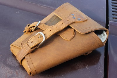 Plenty of buckles to secure your sidearm.