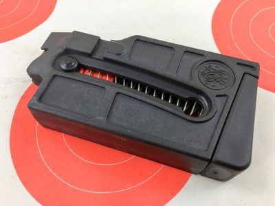 This model comes with a 10-round magazine.